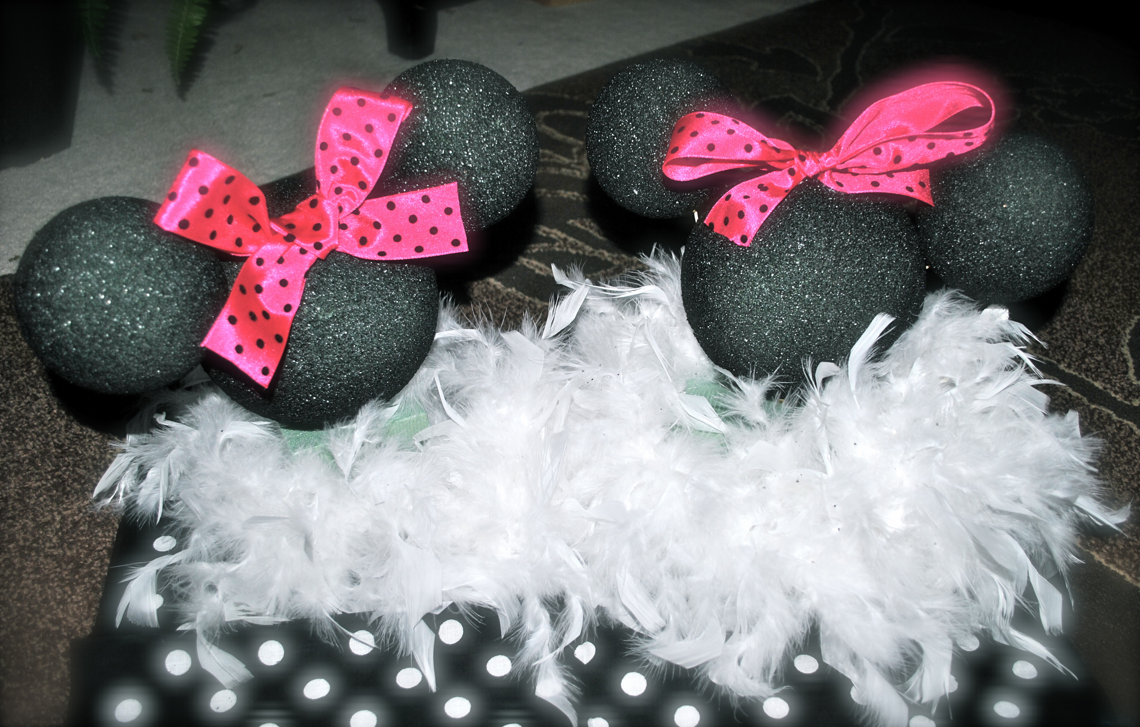 day 41 get crafty diy minnie mouse centerpiece table decor for